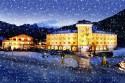 Familienhotel Post bei Nacht und Schnee
