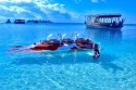 Mit dem U-Boot in den Gewässern der Malediven tauchen